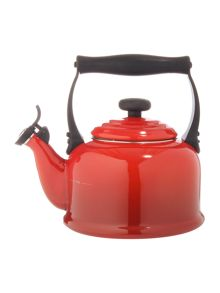 Le Creuset 2.1L Traditional Kettle Cerise