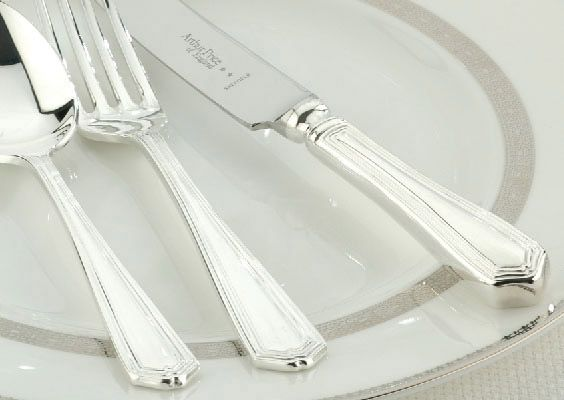 Chester silver plated 44 piece canteen
