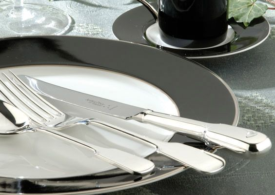 OE Fiddle silver plated 124 piece canteen