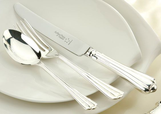 Royal Pearl stainless steel 84 piece canteen