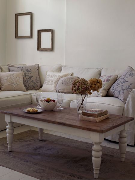 Shabby Chic Willow coffee table