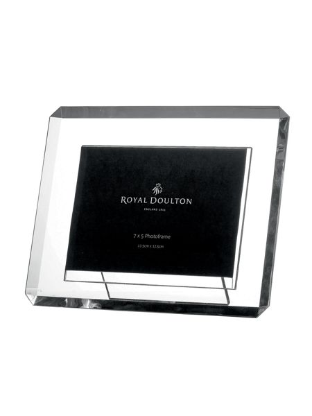 Royal Doulton Bevelled photoframe 7` x 5`