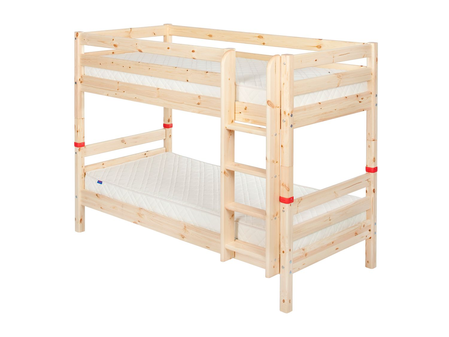 Single bunks with straight ladder