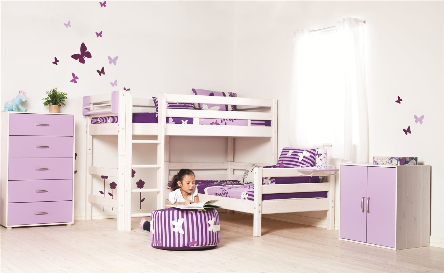 Stepped or angled bunk beds with ladder