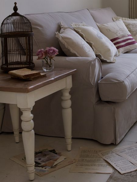 Shabby Chic Willow Lamp Table