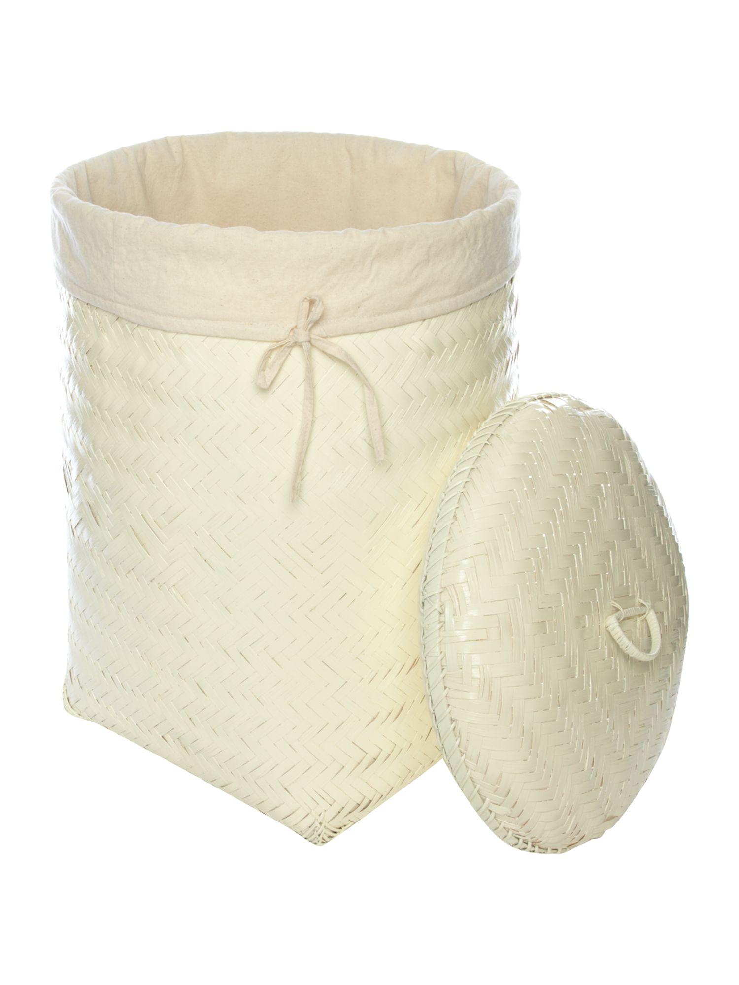 Shabby Chic bamboo baskets in cream.