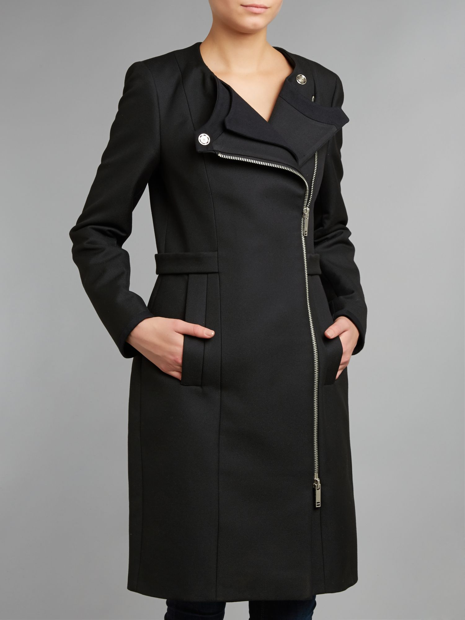 Zip crossover coat