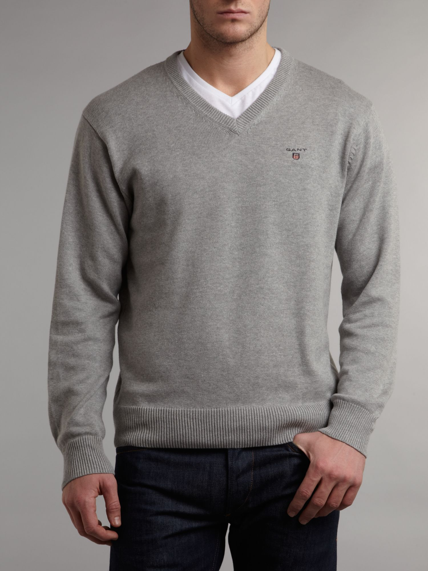 V-neck light weight jumper