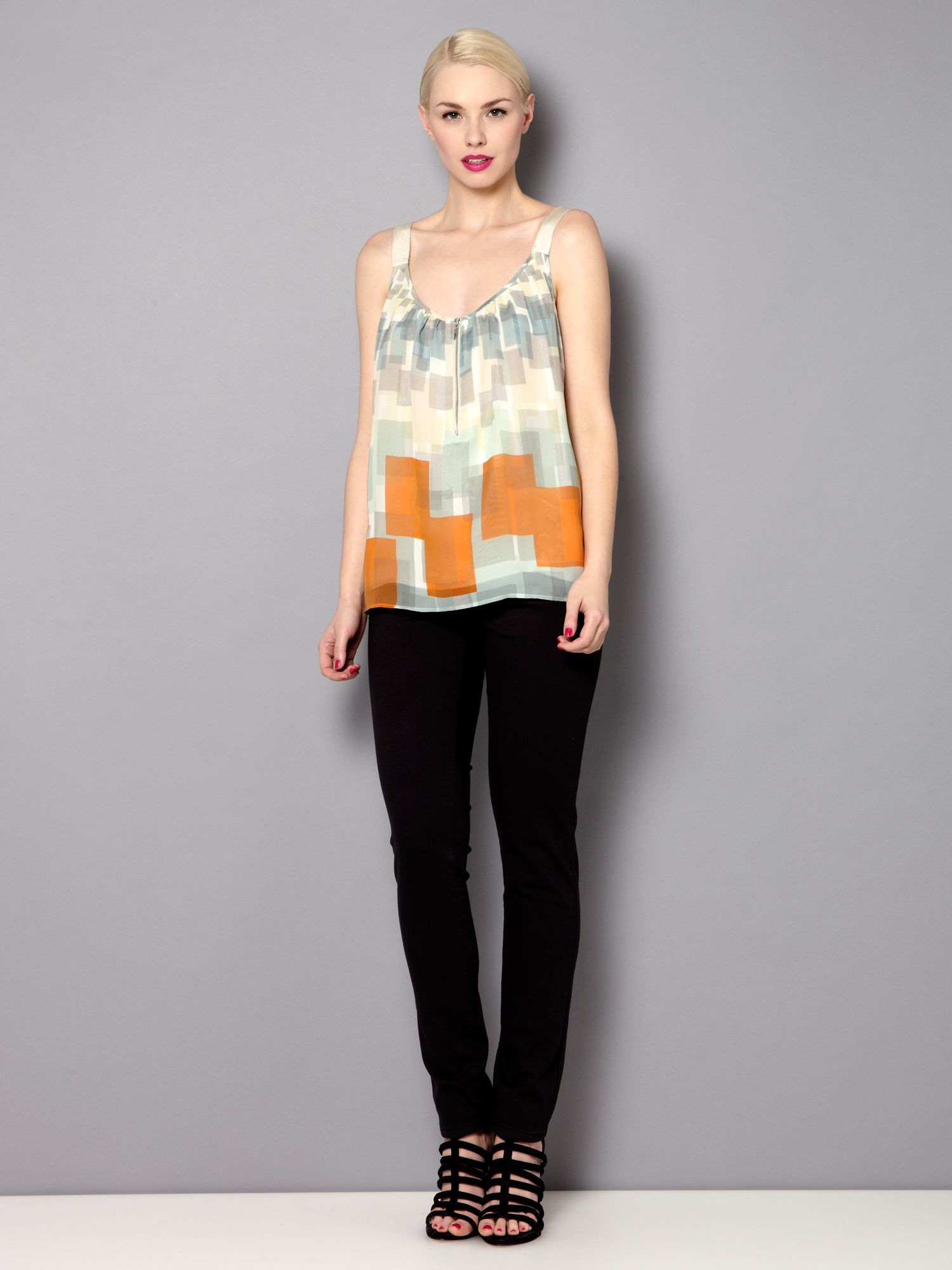 Geo square zip top