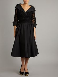 Lace detail 3/4 sleeve ruched waist dress
