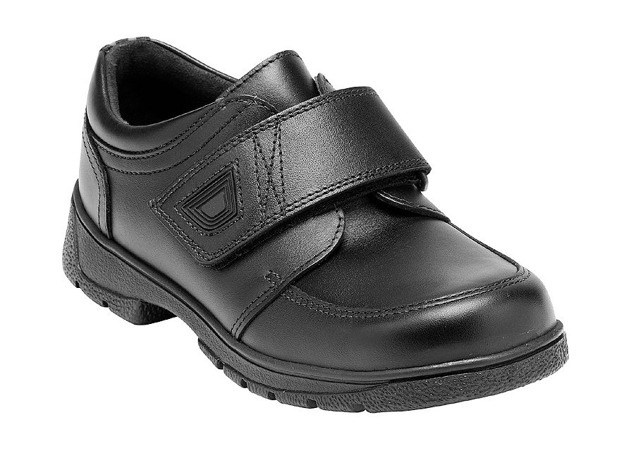 Boy`s accelerate black school shoes