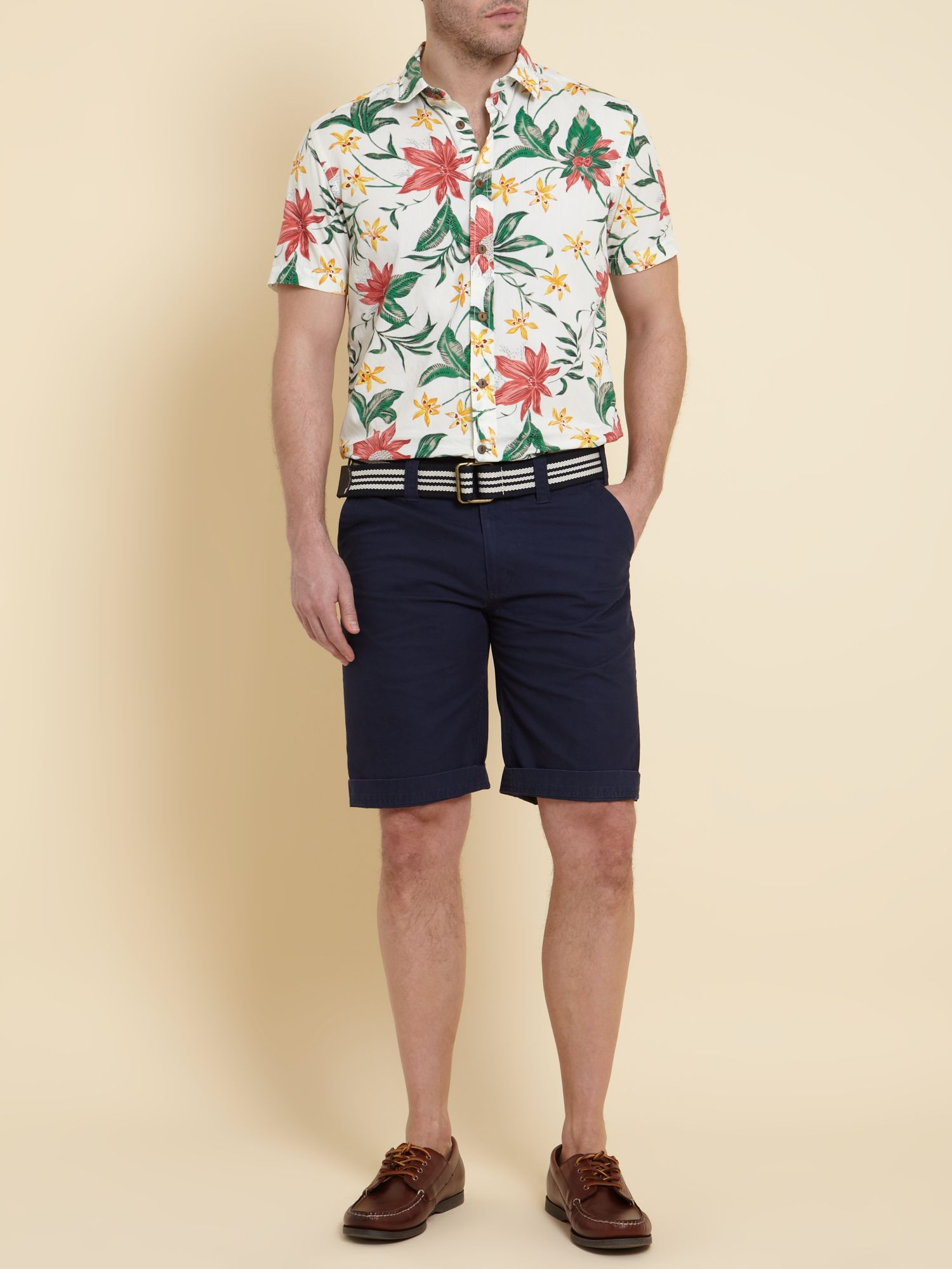 Short sleeved tropical printed shirt