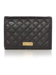 Iconic quilted shoulder bag