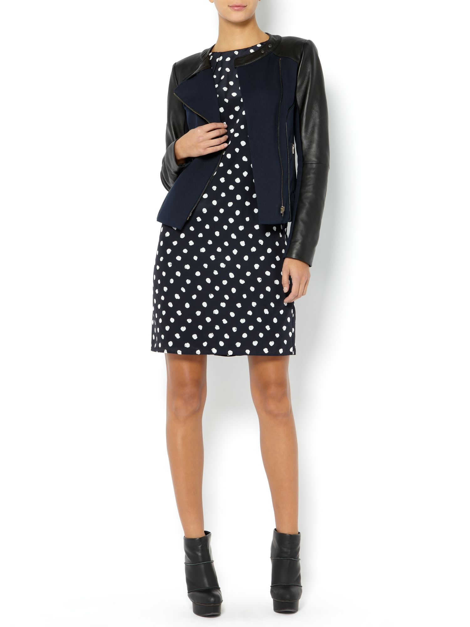 Sleeveless spotty shift dress