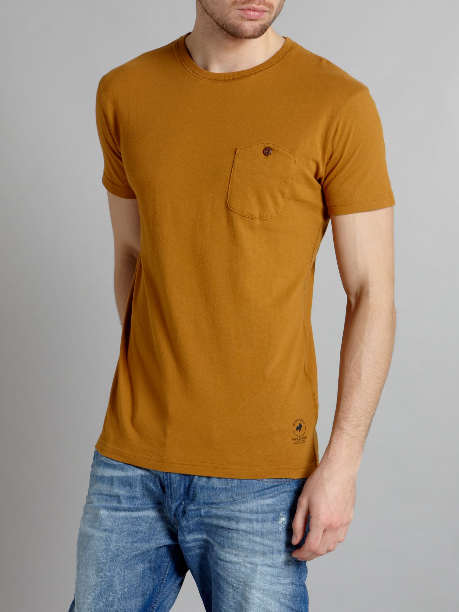 Short sleeved pocket detail T-shirt