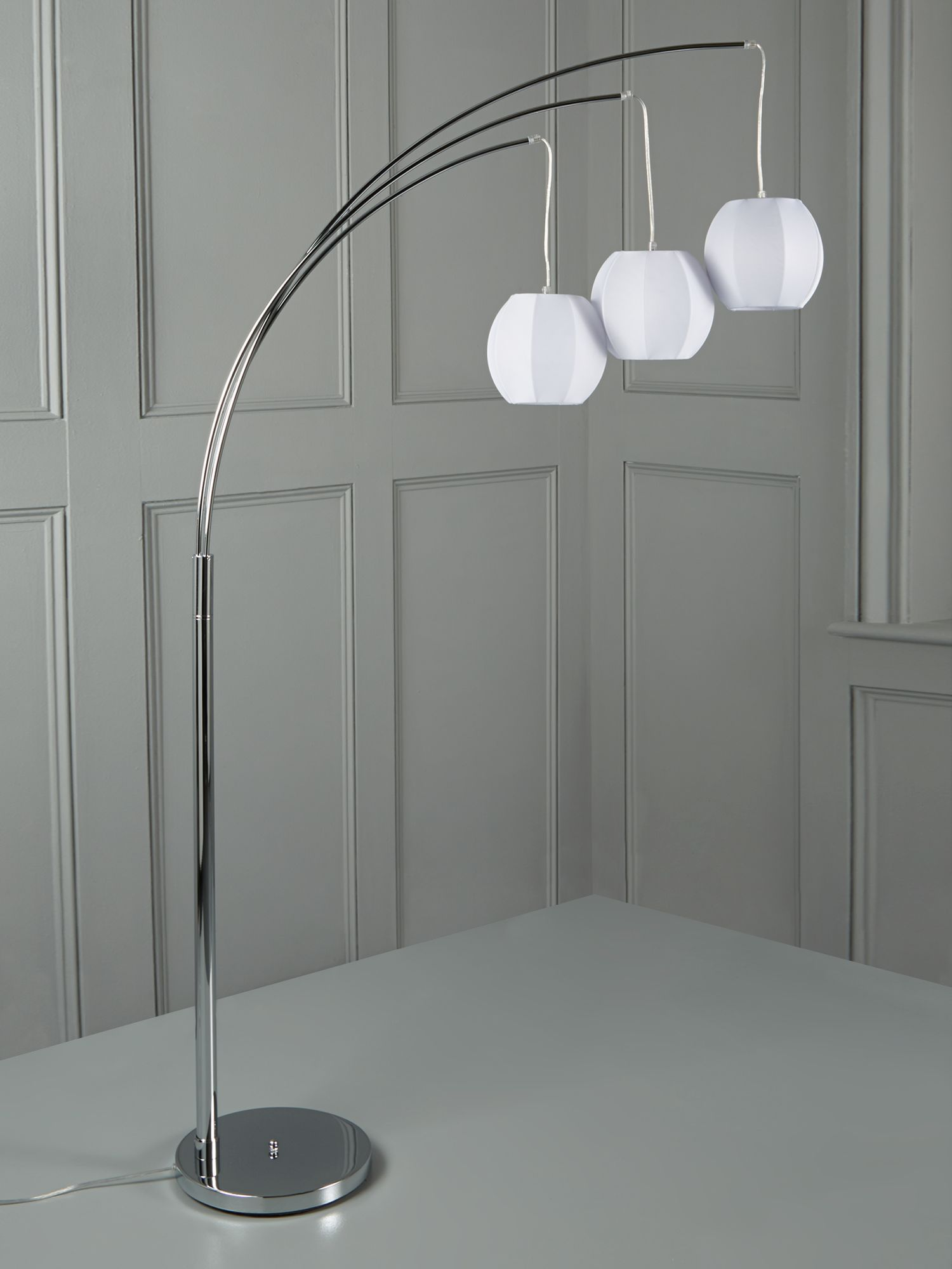 Triple lantern adjustable floor lamp