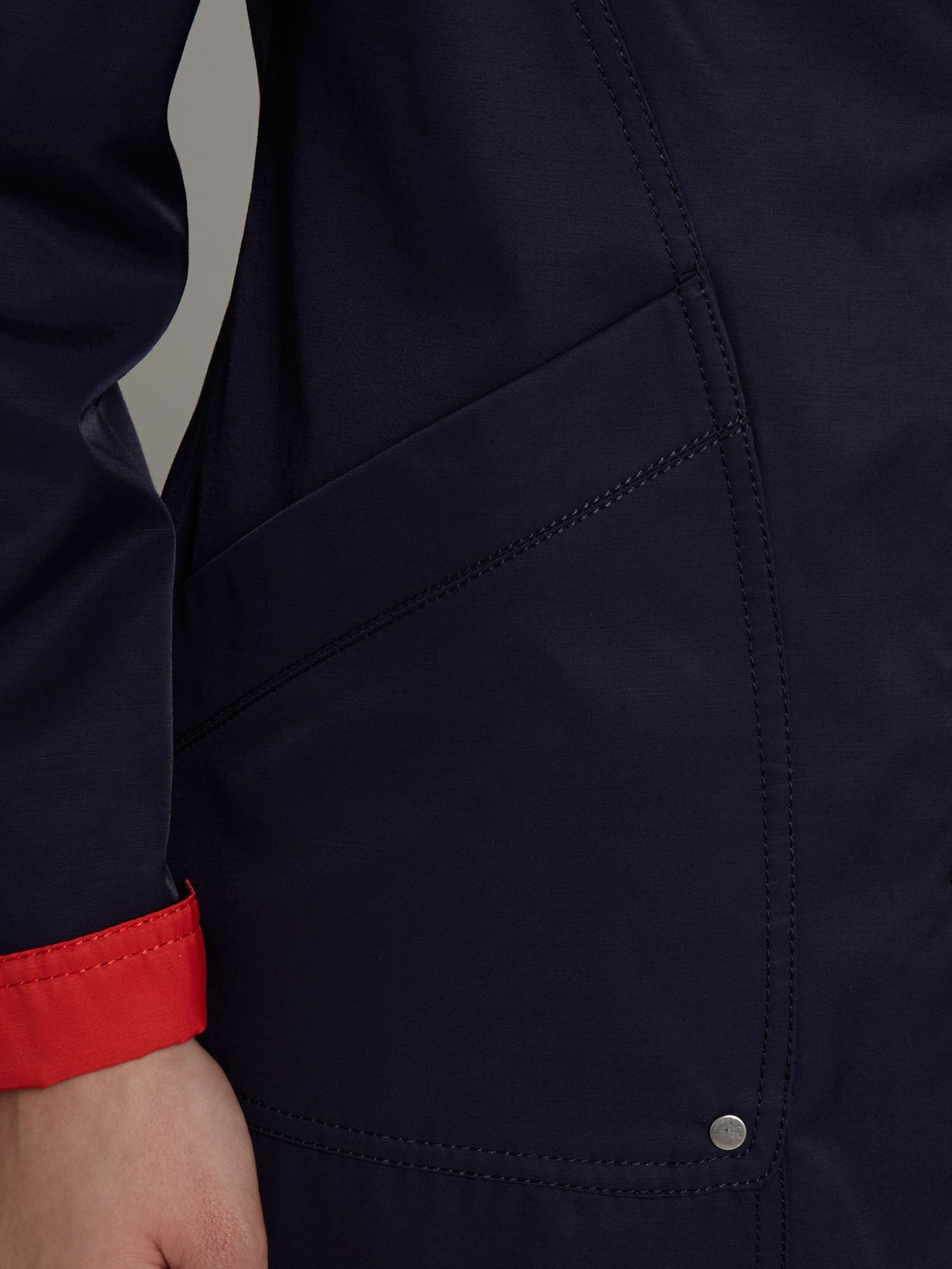 Turn up contrast detail coat