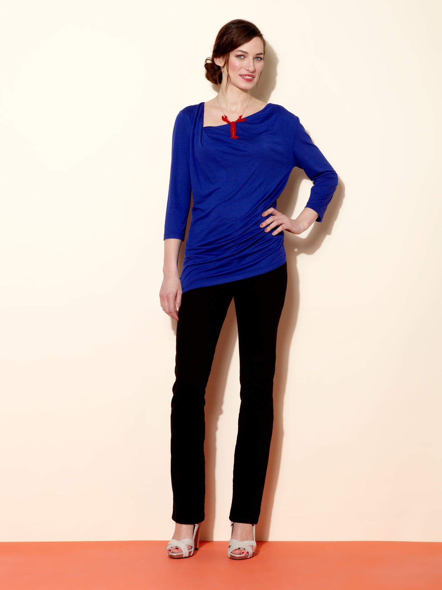 Twist neck & tuck top