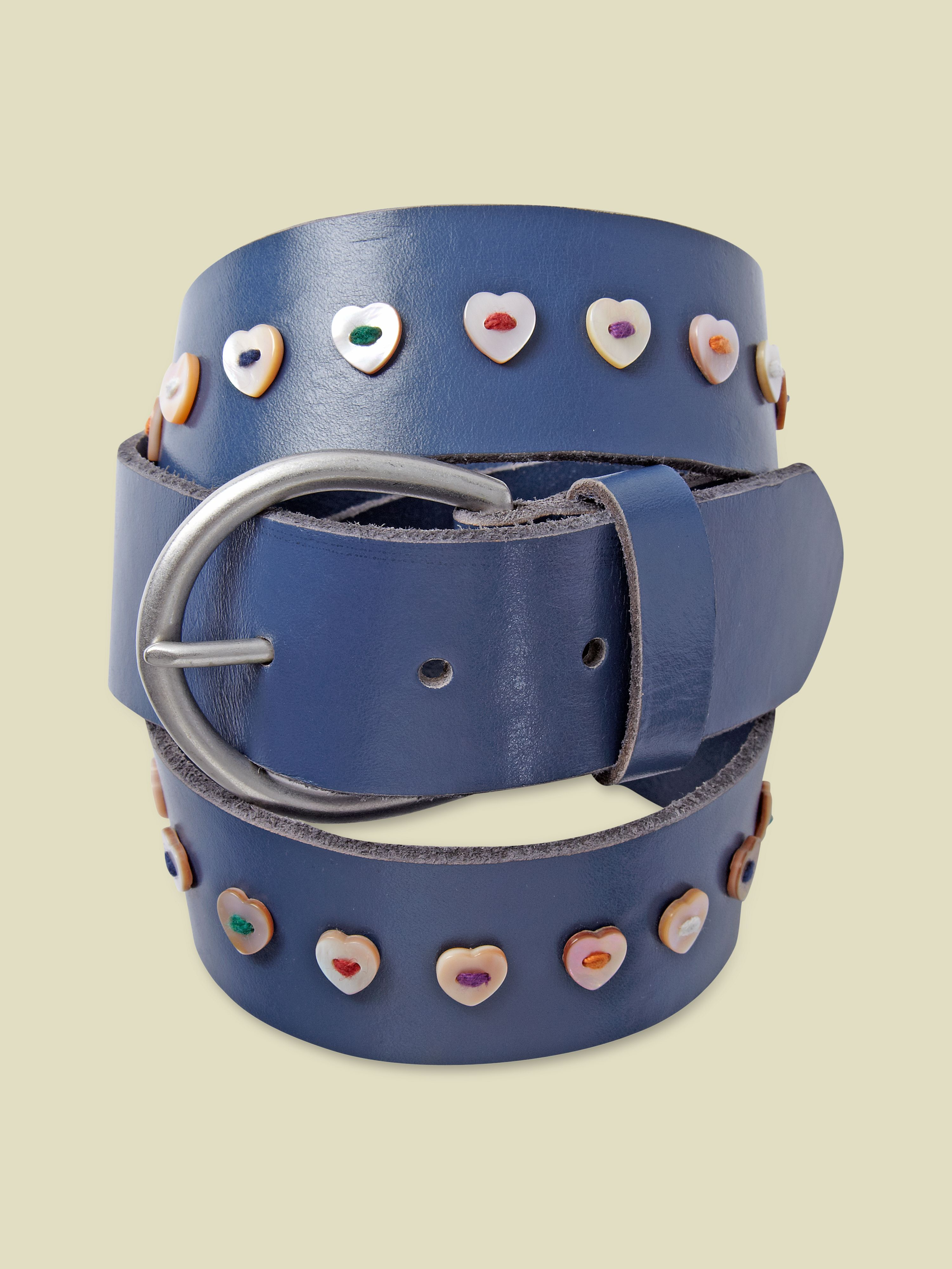 Heart button belt