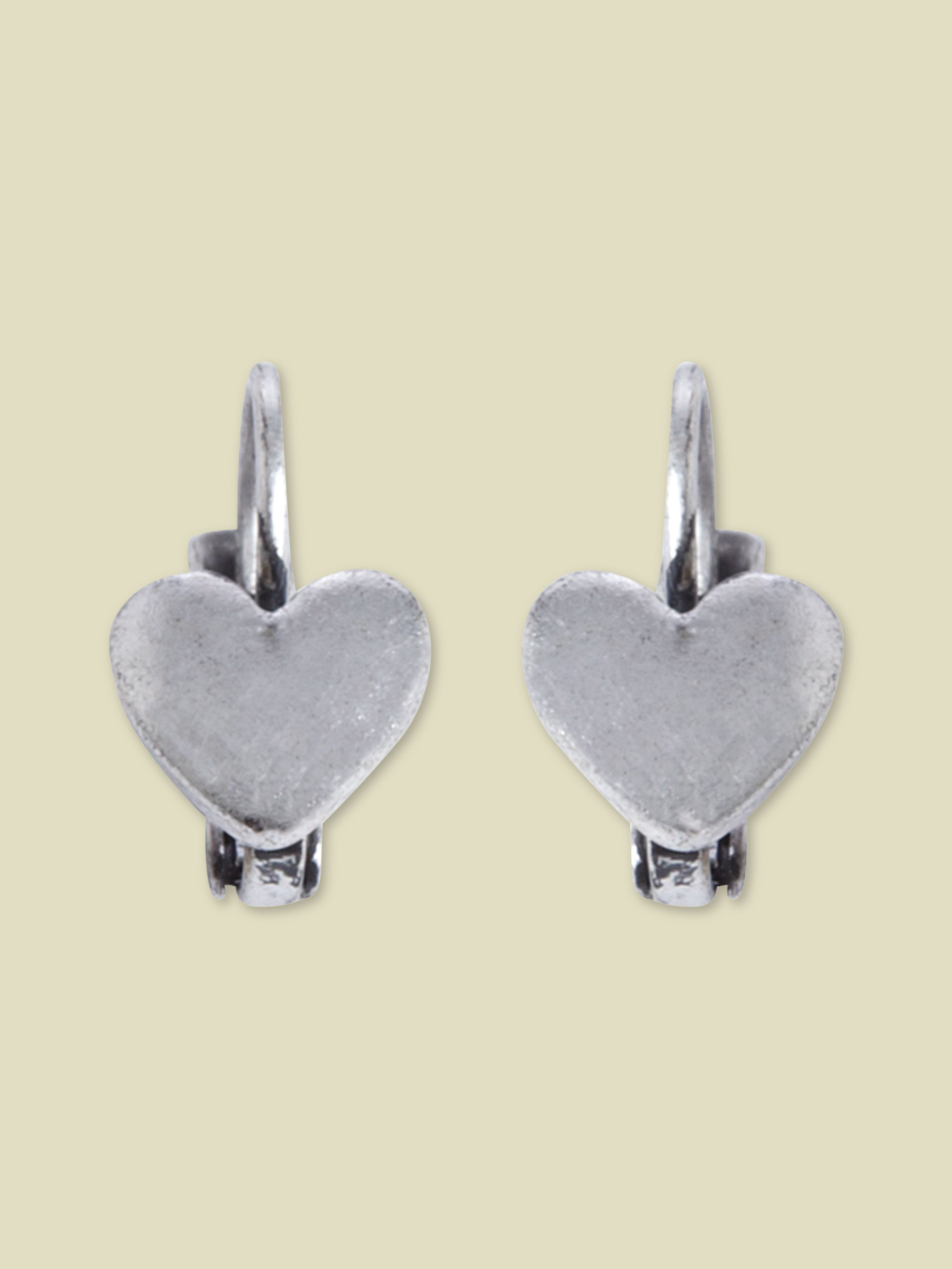 Small heart drop earring