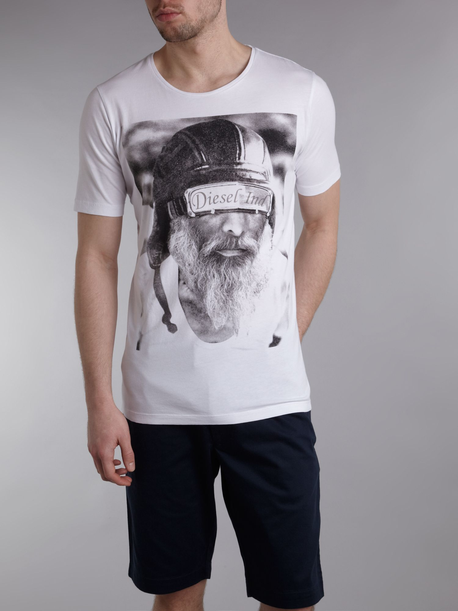 Crew neck beard printed T-shirt