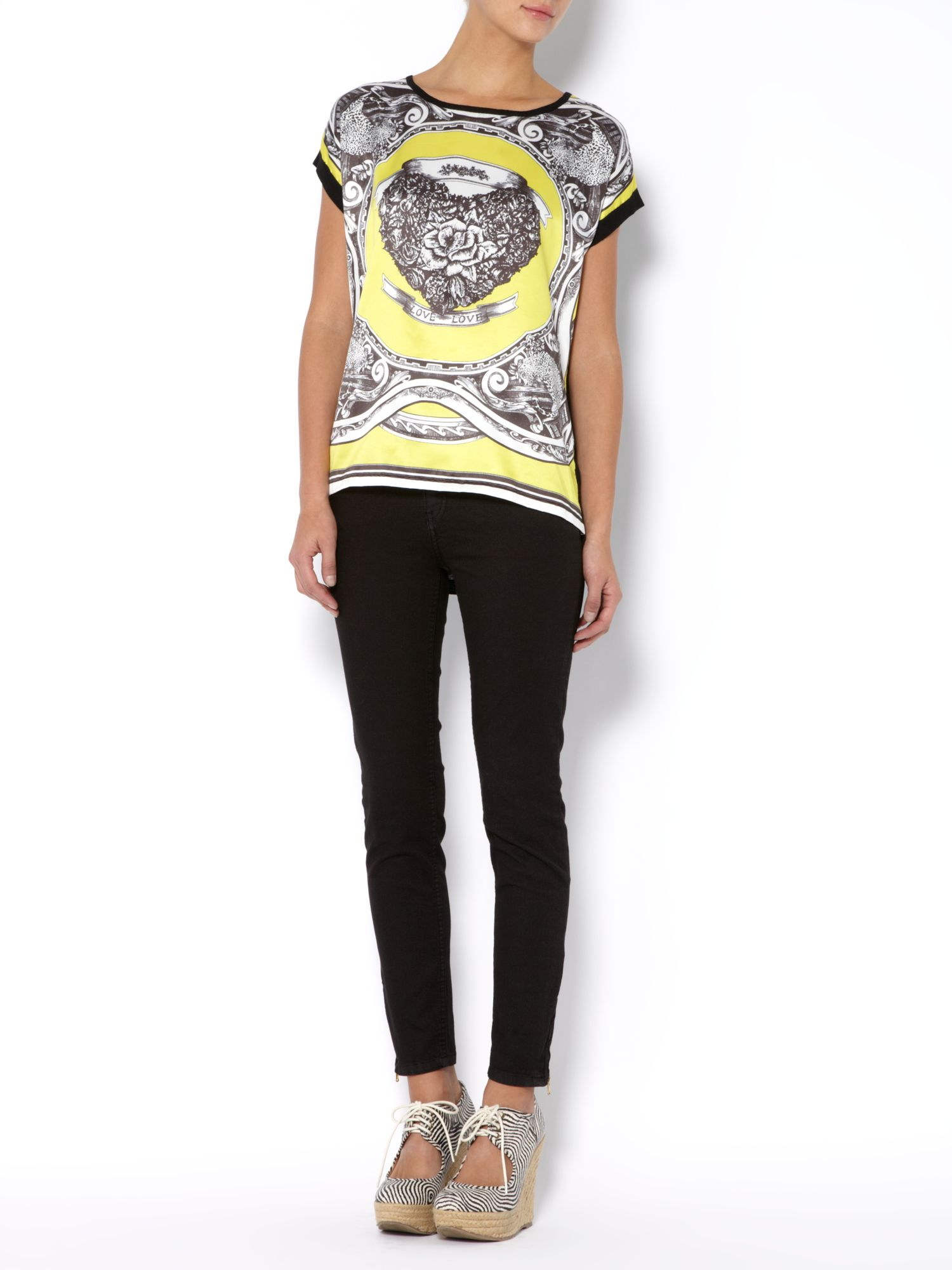 Short sleeve crew neck printed top