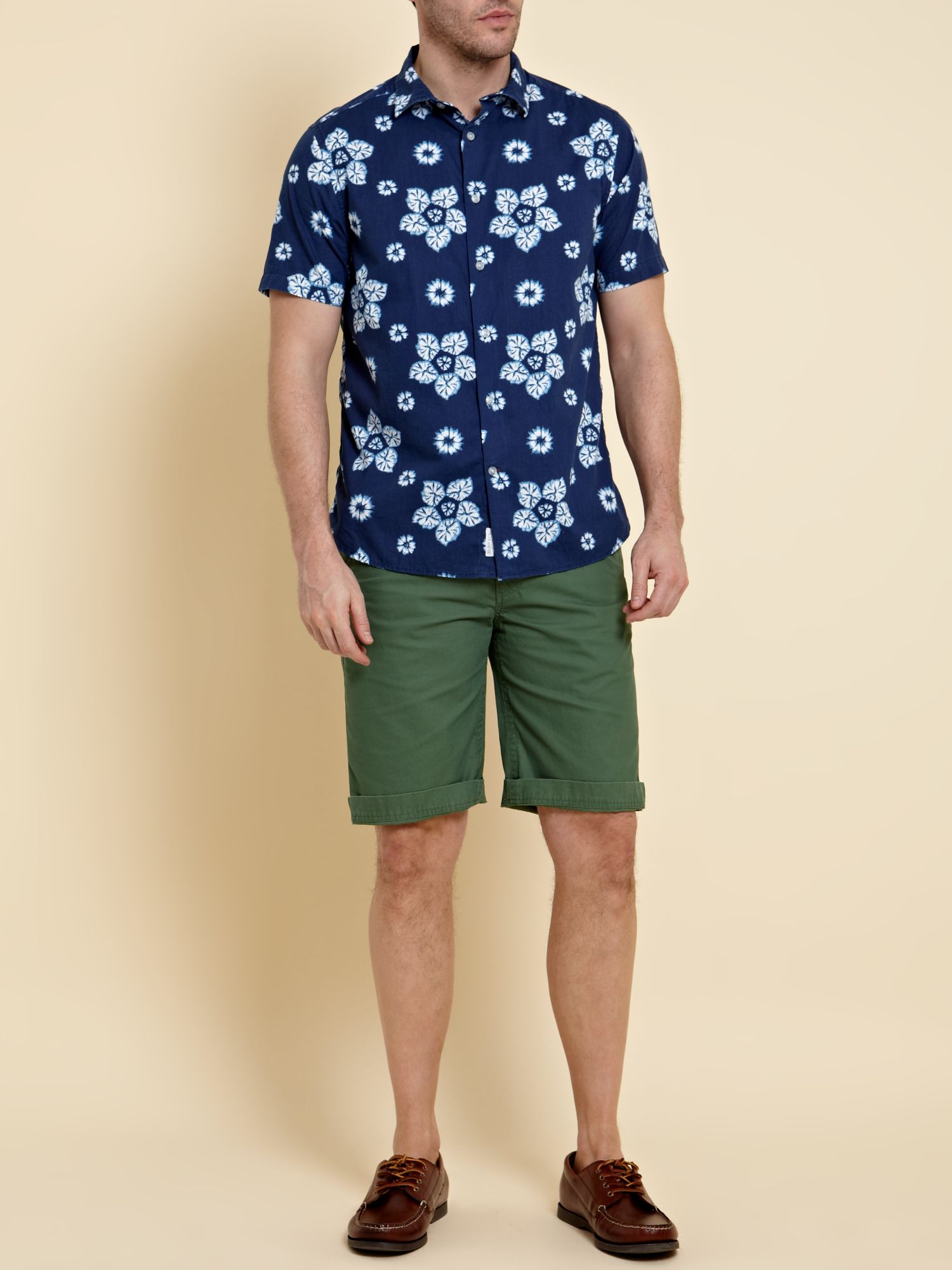 Short sleeved printed shirt