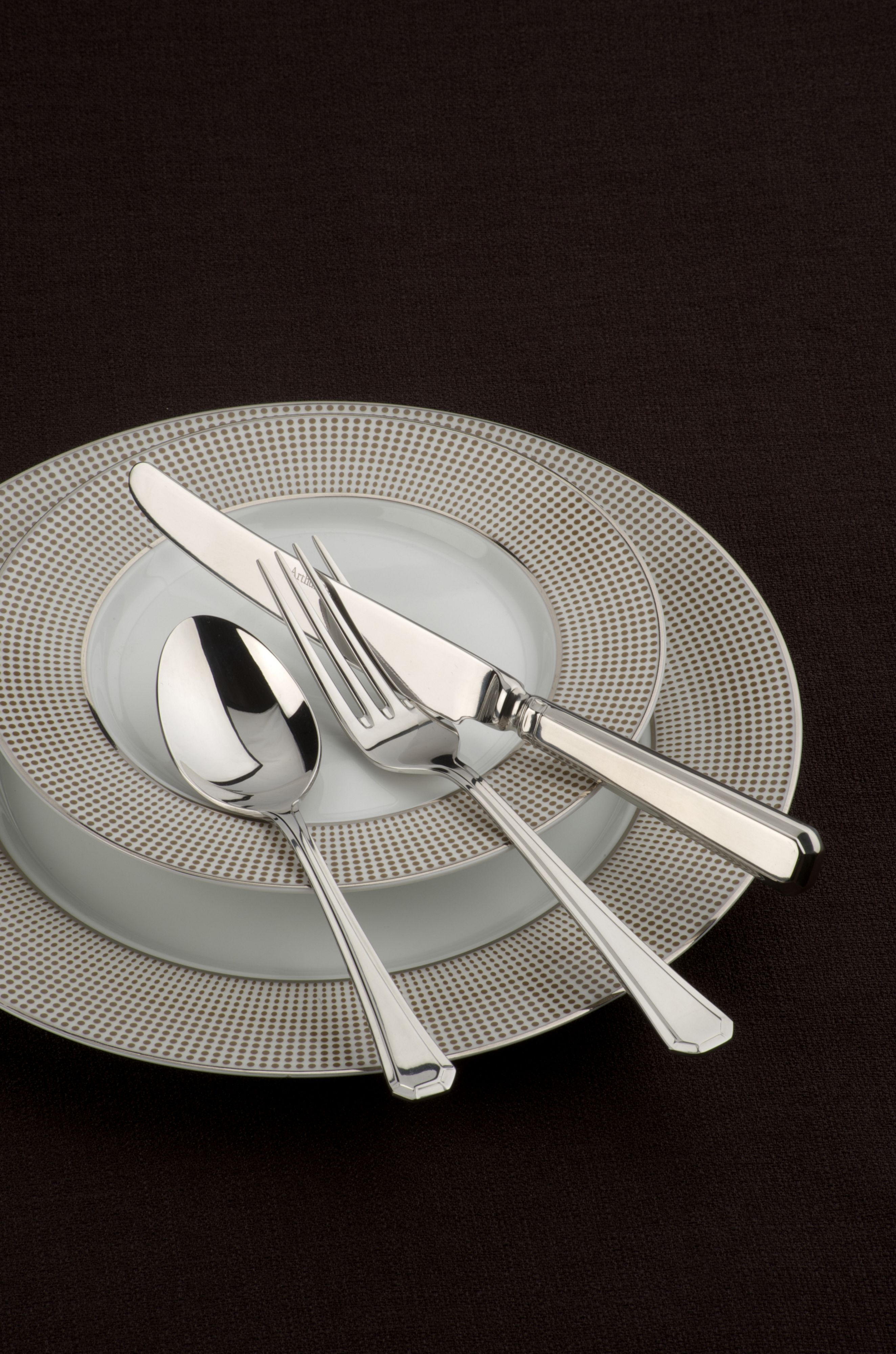 Grecian stainless steel 7 pce place setting