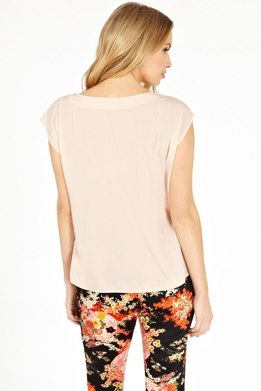 Button shoulder tshirt