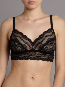 Lace Kiss range in black