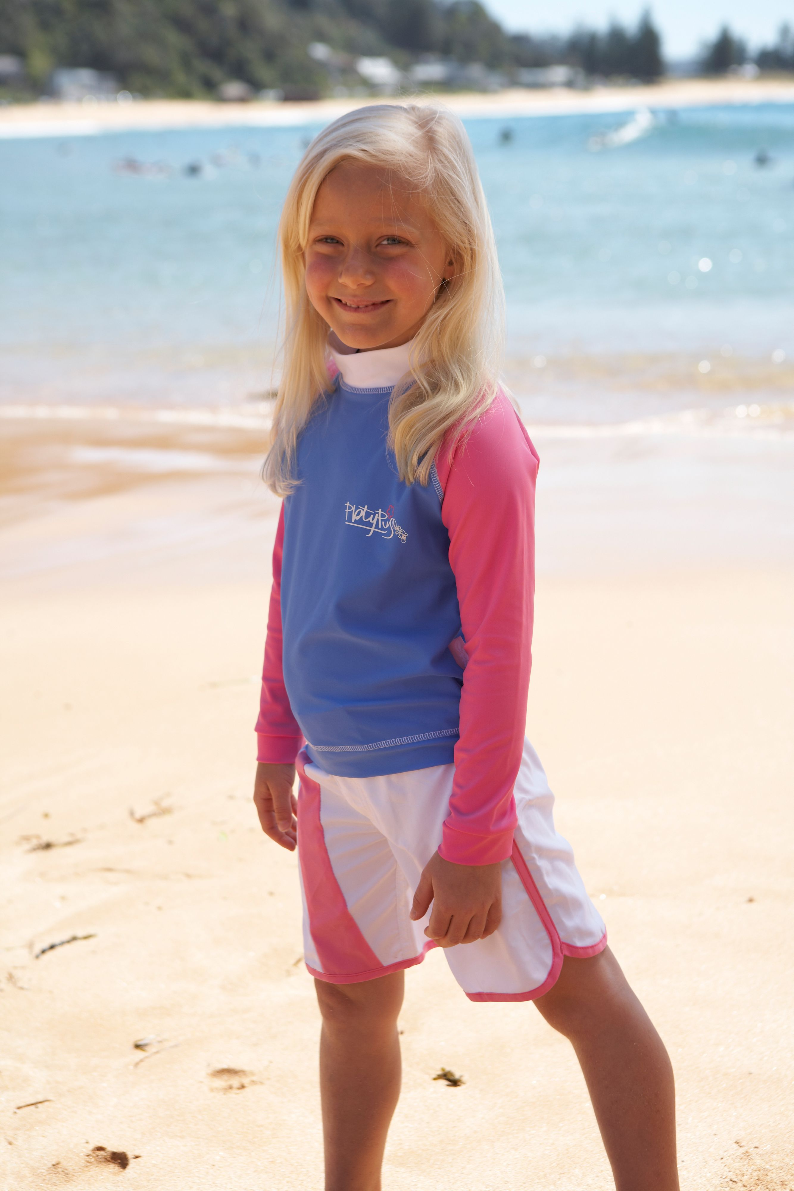 Girl`s long sleeve sunshirt