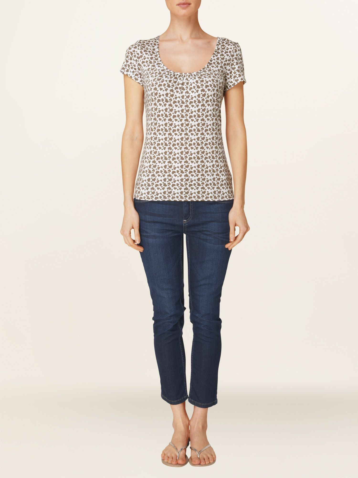 Tiny hearts print scoop neck top