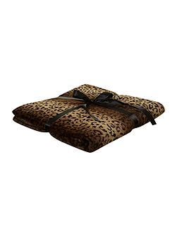 Cheetah bed throw