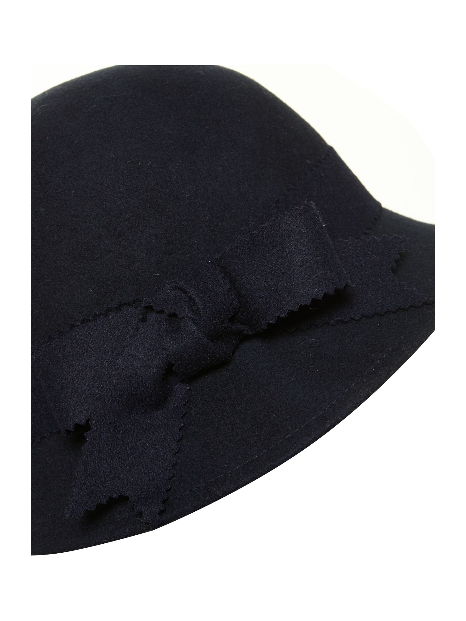 Bow detail cloche
