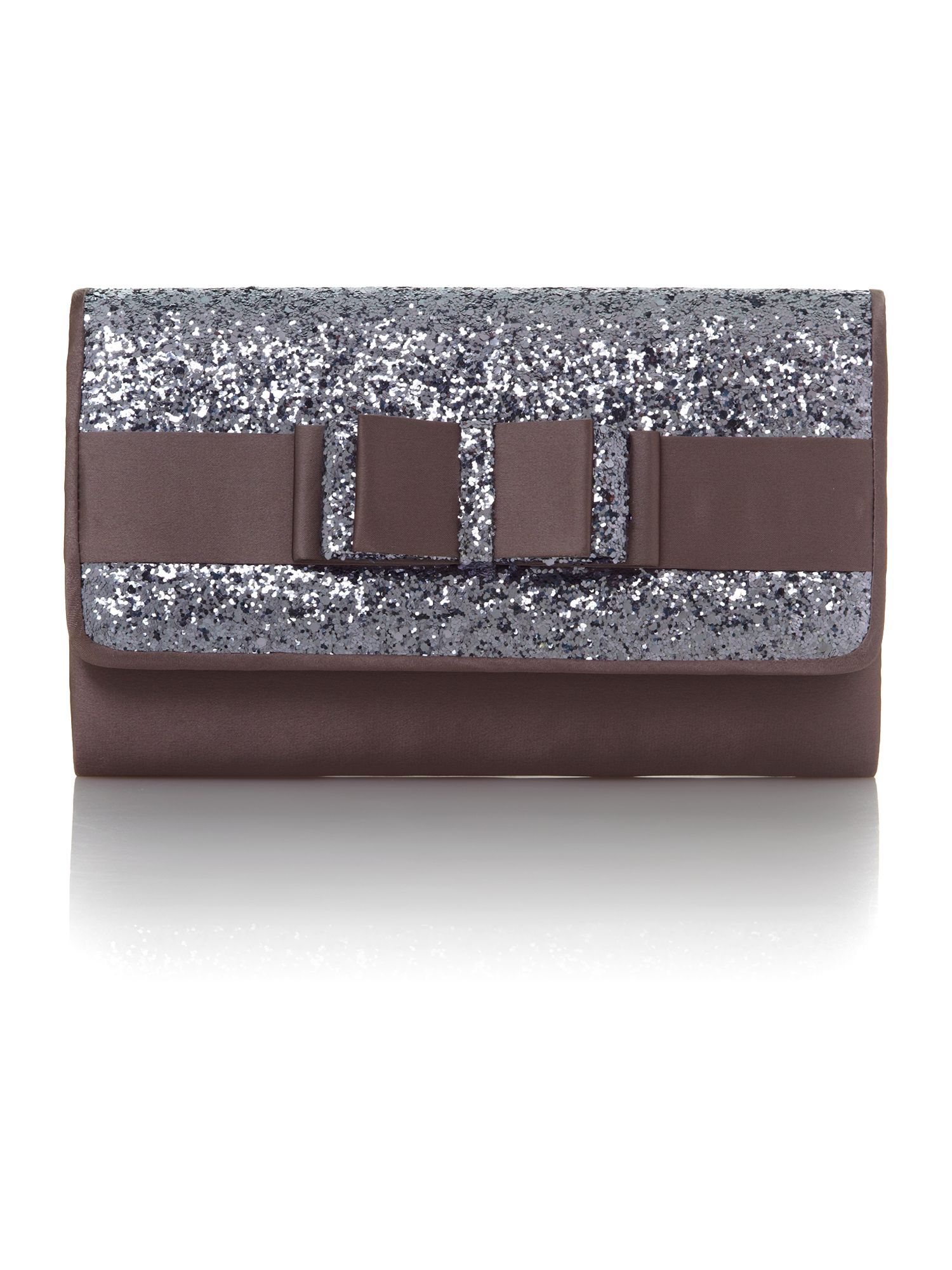 Bow flap clutch