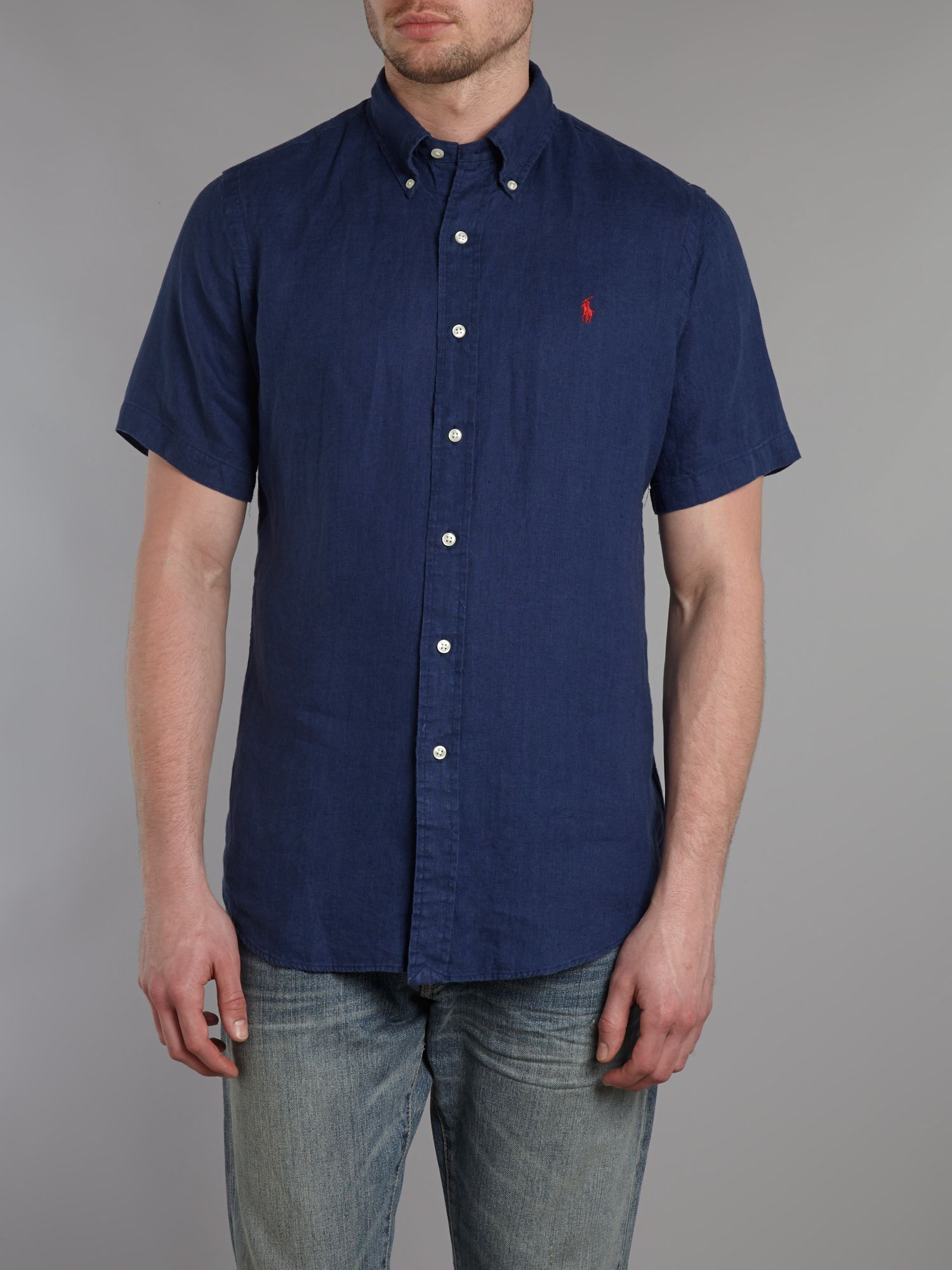 Short sleeved custom fit shirt