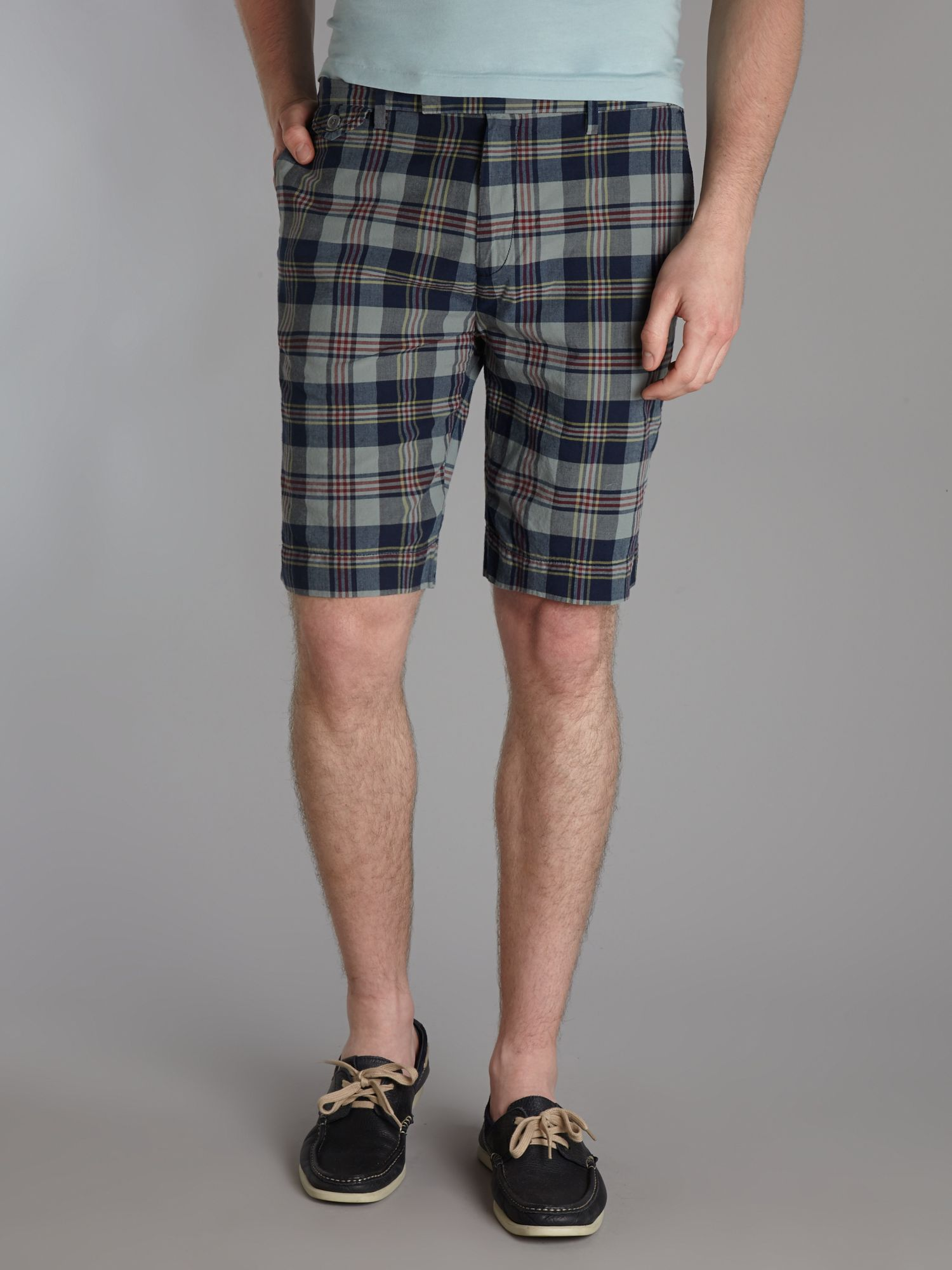Slim fit checked short