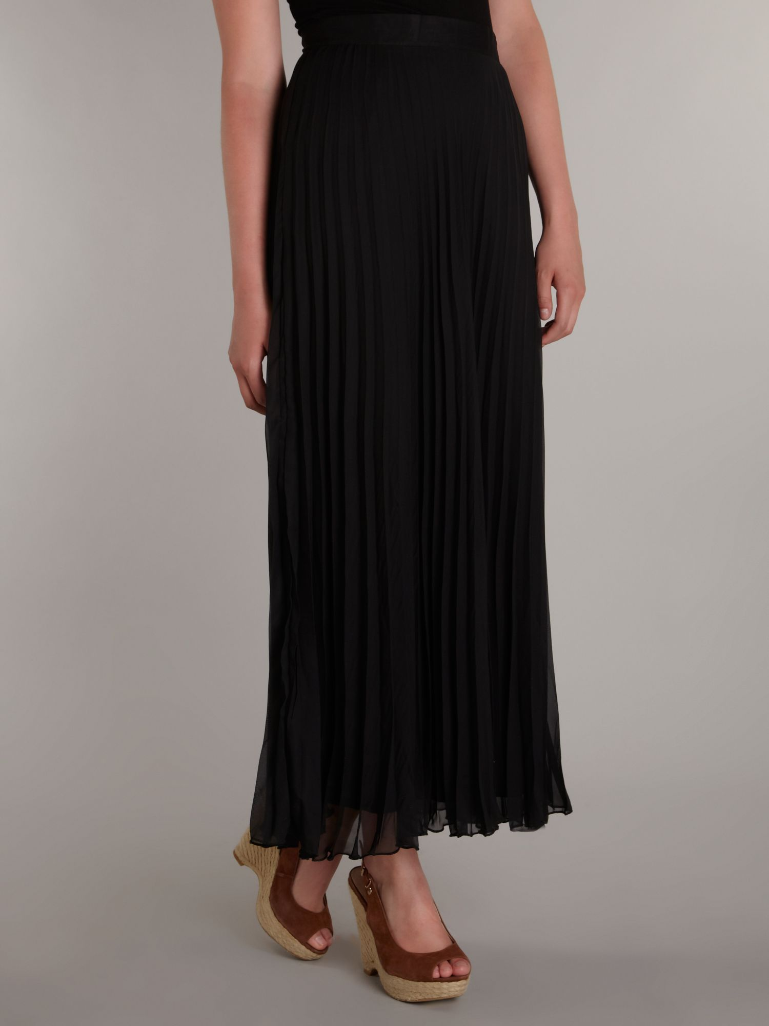 Long ruffle maxi skirt