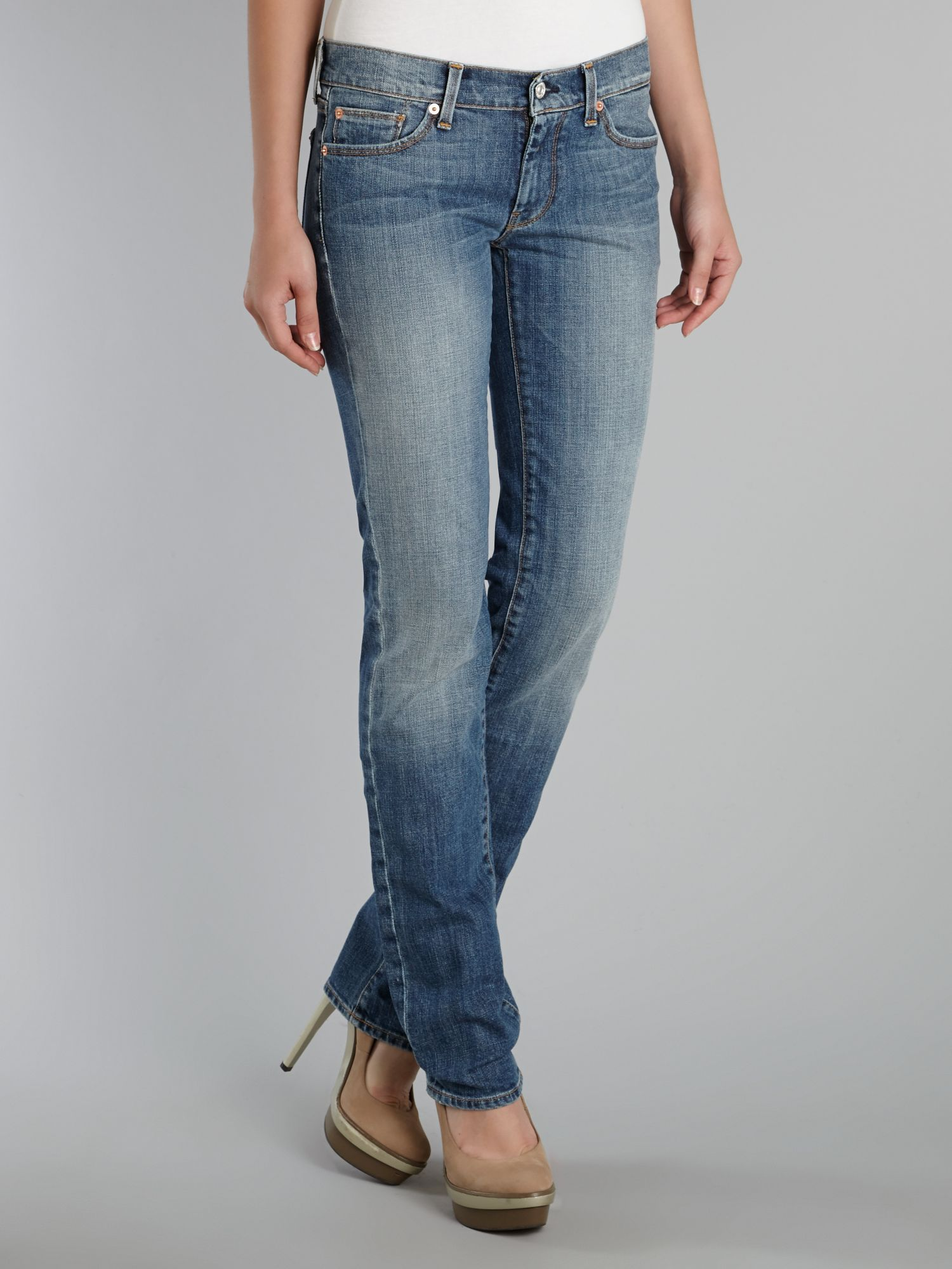 Straight leg jeans in Medium NY