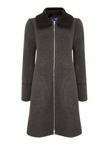 Wool coat with detatchable collar