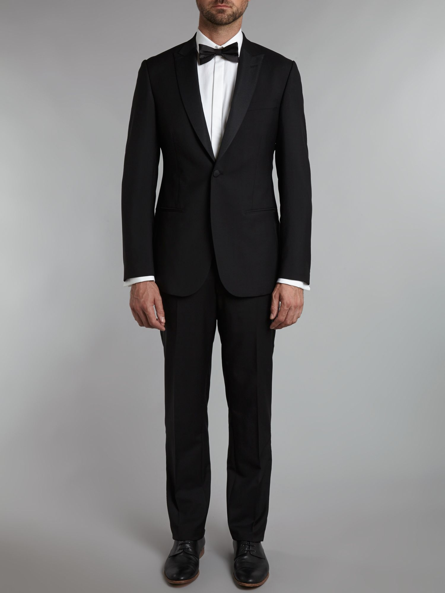 Slim fit tuxedo with peak lapels