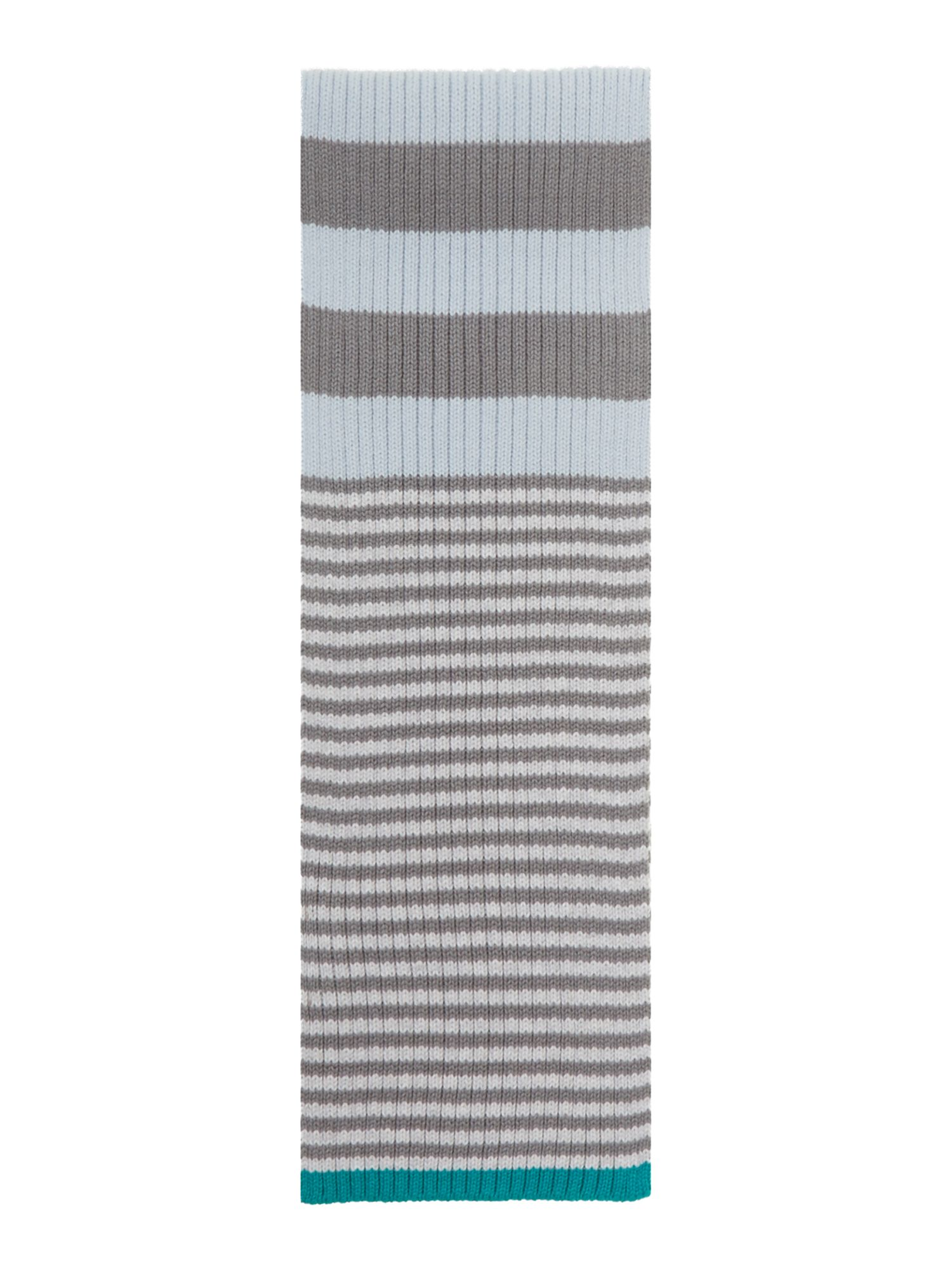 Boy`s knitted scarf