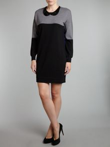 Long sleeve colour block knit dress with necklace