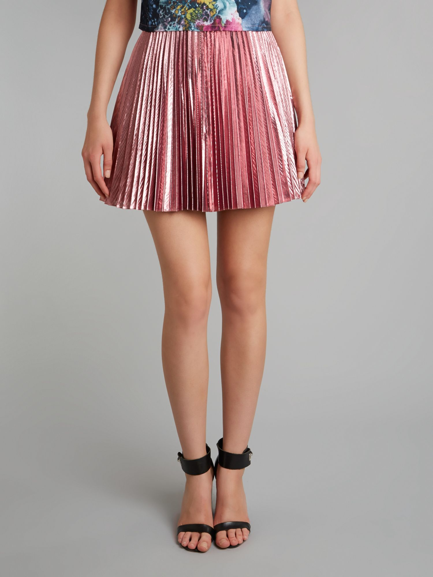 Pleated flare skirt