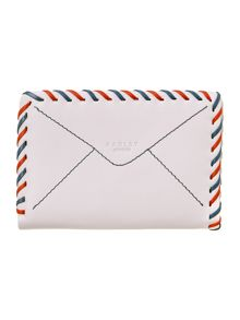The travelling wanderer medium white wallet purse