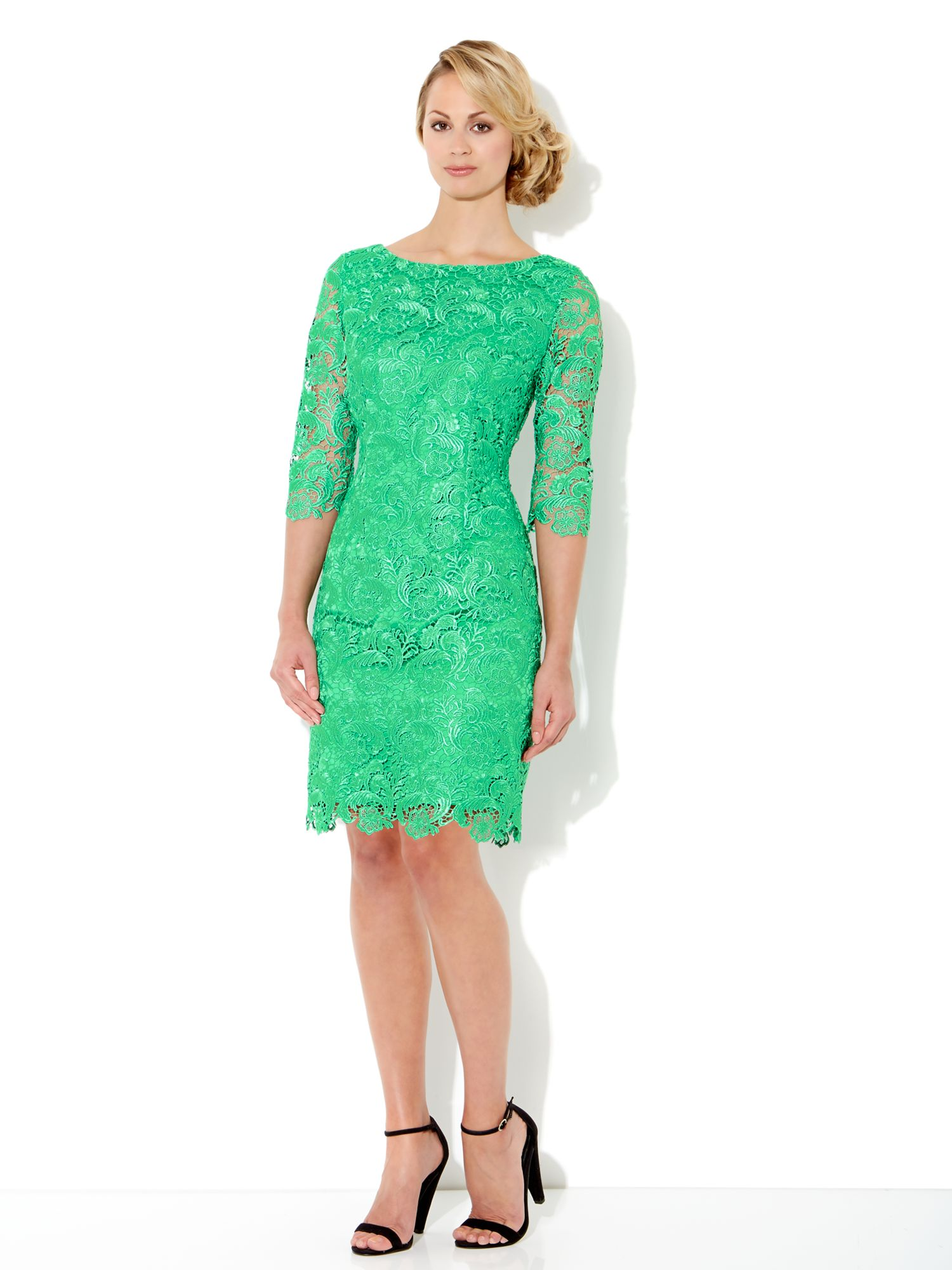 Knee Lentgh Lace Sleeved Dress