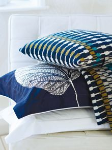 Leaf knitted throw one size navy