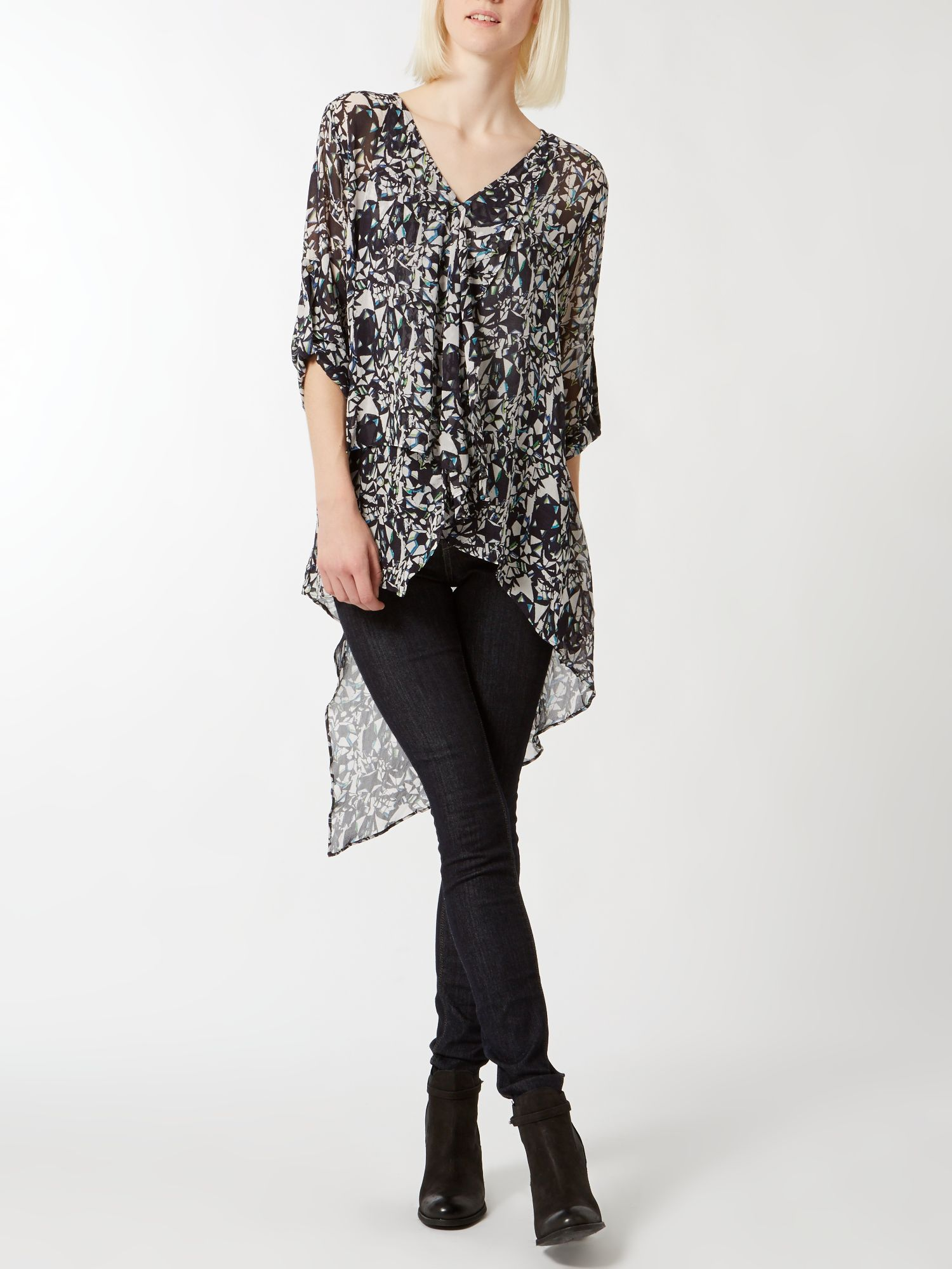 Optic print long tail blouse