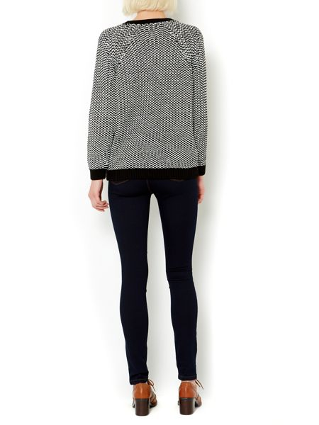Therapy Contast yarn raglan jumper