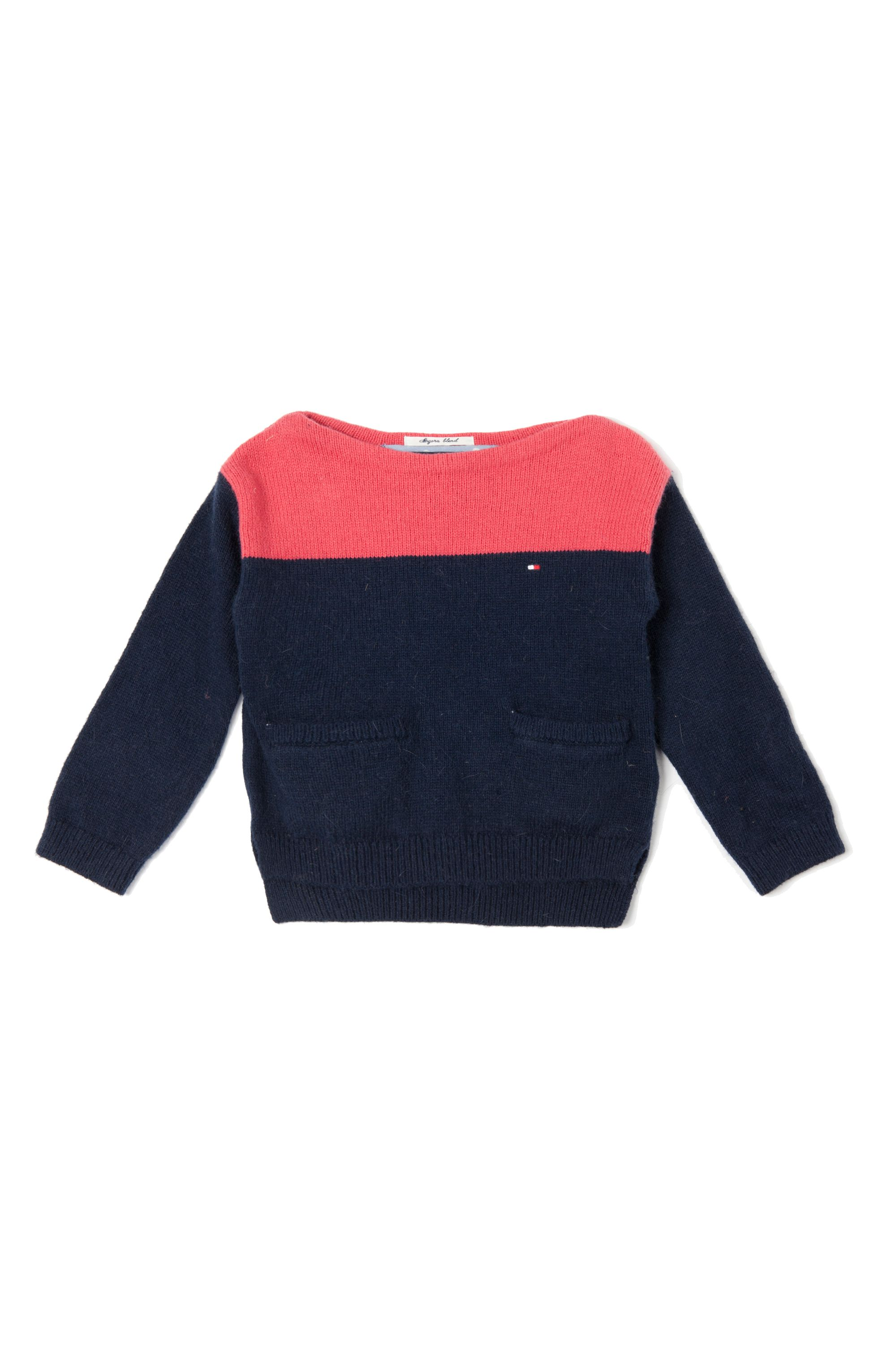 Girl`s cropped sweater